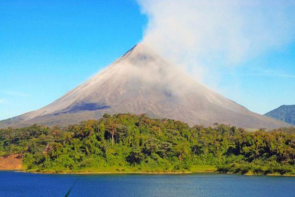 Arenal-Volcano-800x450