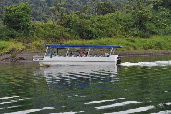 Lake-Arenal-02.jpg